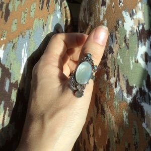 Vintage Jewelry - Mother of Pearl Bold Oval Abalone Swirl Ring
